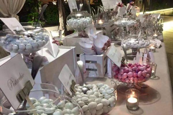 villademetra-wedding-confettata-cuori4960265A-C91B-81DF-96A5-6A12CA486CD5.jpg